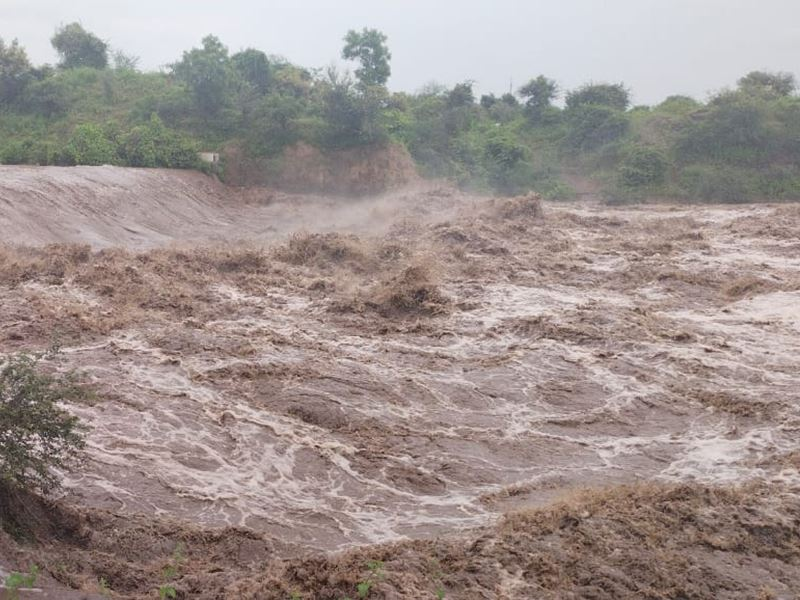 Rain in Burhanpur: बुरहानपुर में तेज बारिश से ताप्ती के आधे घाट डूबे