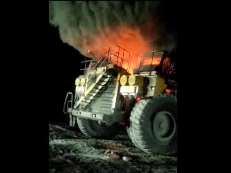 Korba Crime News: कोयला लोड डंपर में लगी  आग, आपरेटर ने कूदकर बचाई जान