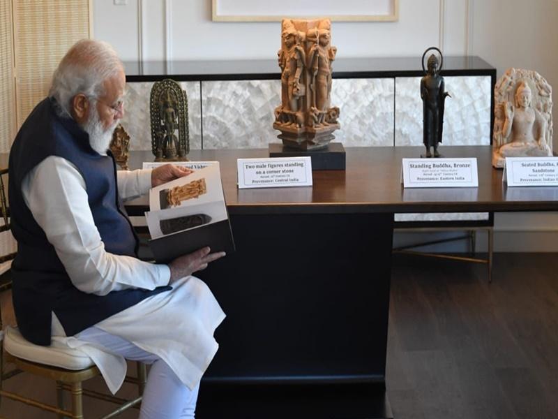 PM Modi US Visit : अमेरिका ने भारत को लौटाईं 157 पुरानी कलाकृतियां, चोरी-तस्करी के जरिए पहुंची थी अमेरिका