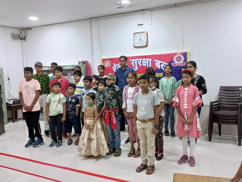 Rail News in Bilaspur: आरपीएफ द्वारा आयोजित पेंटिंग प्रतियोगिता में रोहिणी, भूमि व अनुष्का अव्वल