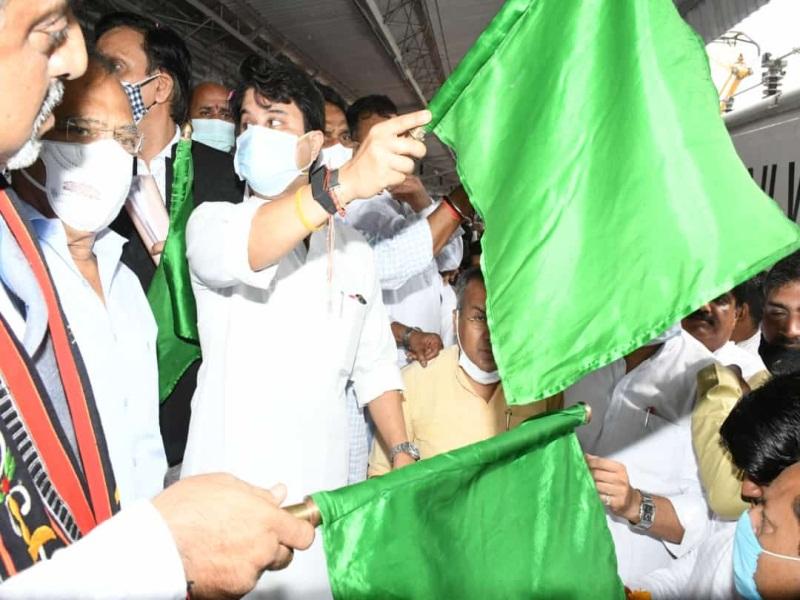 Gwalior Railway News: ग्वालियर से तिरुपति जाने के लिए 6 ट्रेन हैं, जानें काैन सी ट्रेन कितने घंटे में पहुंचती है