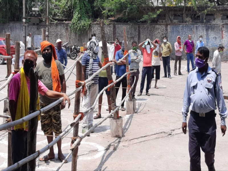 Chhattisgarh: एमआरपी से अधिक कीमत पर बेची जा रही है शराब, तो इस नंबर पर करें शिकायत