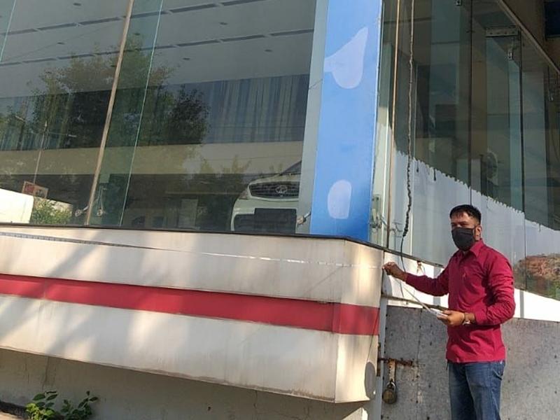 Jabalpur News: सुखसागर टाटा शोरूम की नाप में मिला अंतर, निगम अधिकारी दे रहे गोलमोल जवाब