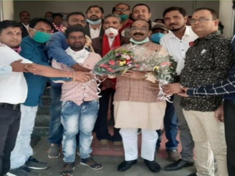 Bilaspur News: जन्मदिन पर सांसद अरुण साव ने वरिष्ठ भाजपा नेताओं से लिया आर्शीवाद, कही यह बात