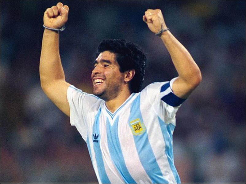 Diego Maradona Dies : महान फुटबाॅल खिलाड़ी डिएगो माराडोना का दिल का दौरा पड़ने से निधन