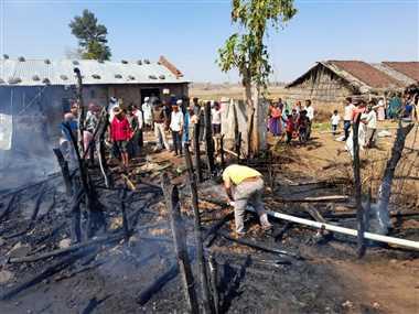 किसान के घर मे लगी आग, दो बैलों की जलने से मौत