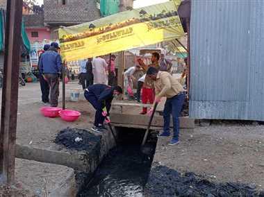 नालों, सड़कों की सफाई कर लोगों का सहयोग मांगा
