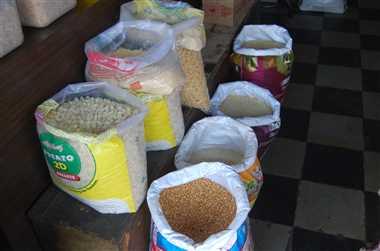झाबुआ : फरवरी में रसोई पर महंगाई का मार्च