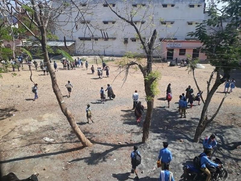 Bilaspur Column Campus Carner: स्कूल में छिपा है कोरोना
