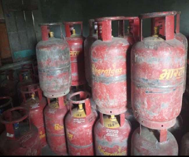 Jabalpur News : घरेलु गैस सिलेंडर से ऑटो में भर रहे थे गैस, दो गिरफ्तार