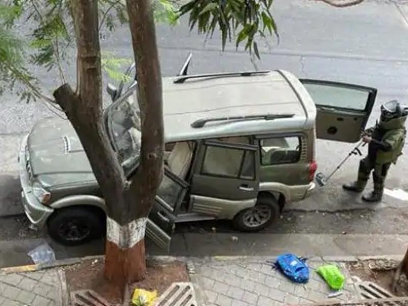 Mukesh Ambani के घर के बाहर मिली संदिग्ध कार चोरी की निकली, 9 लोगों से पूछताछ