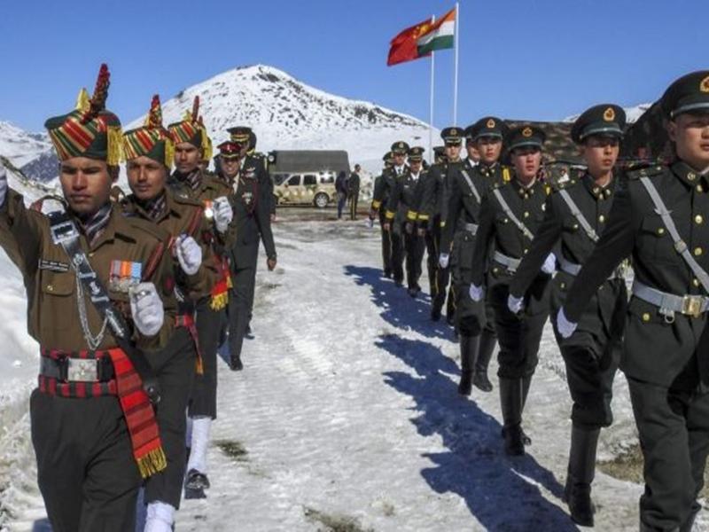 सीमा पर चीनी फौज के जमावड़े के बाद टकराव की आशंका, भारत ने भी अपनी तैयारी बढ़ाई