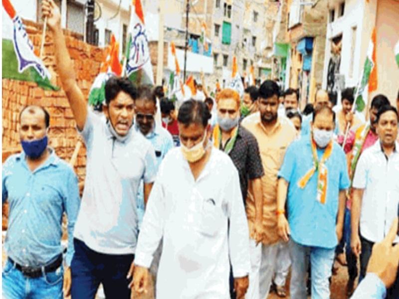 Gwalior Uproar in Bhoomi Pujan News: भूमिपूजन में हंगामा, सांसद के सामने भाजपाई-कांग्रेसियों ने की नारेबाजी