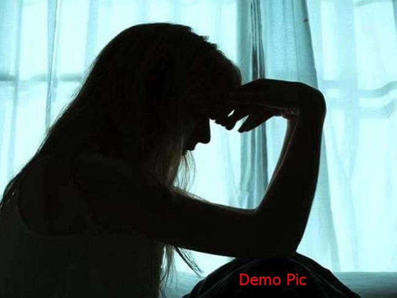 Indore Crime News:  एमबीए की छात्रा ने गला काटकर जान देने की कोशिश की, सहेली को भेजी फोटो