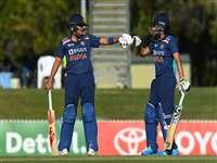 INDW vs AUSW: आखिरी वनडे में 2 विकेट से जीती टीम इंडिया, ऑस्ट्रेलिया के 26 मैचों के विजय अभियान को रोका