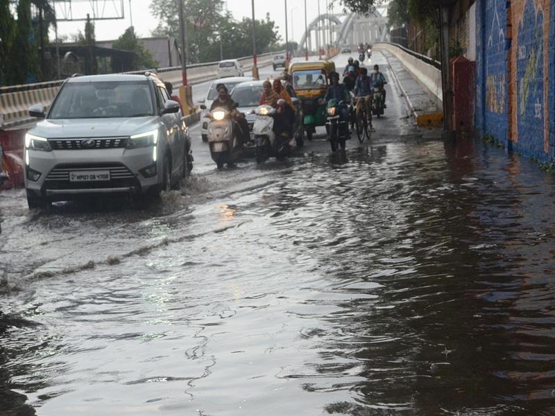 गुल-आब तूफान के बाद हल्की बारिश