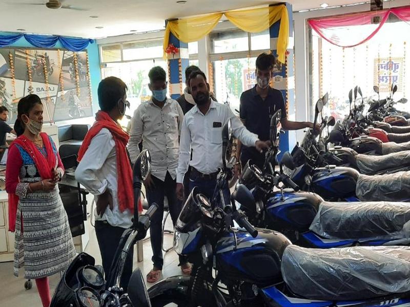 Vidisha News: ऑटोमोबाइल सेक्टर में दशहरे की धूम, विदिशा में 2 दिन में ढाई करोड़ के वाहनों की बिक्री