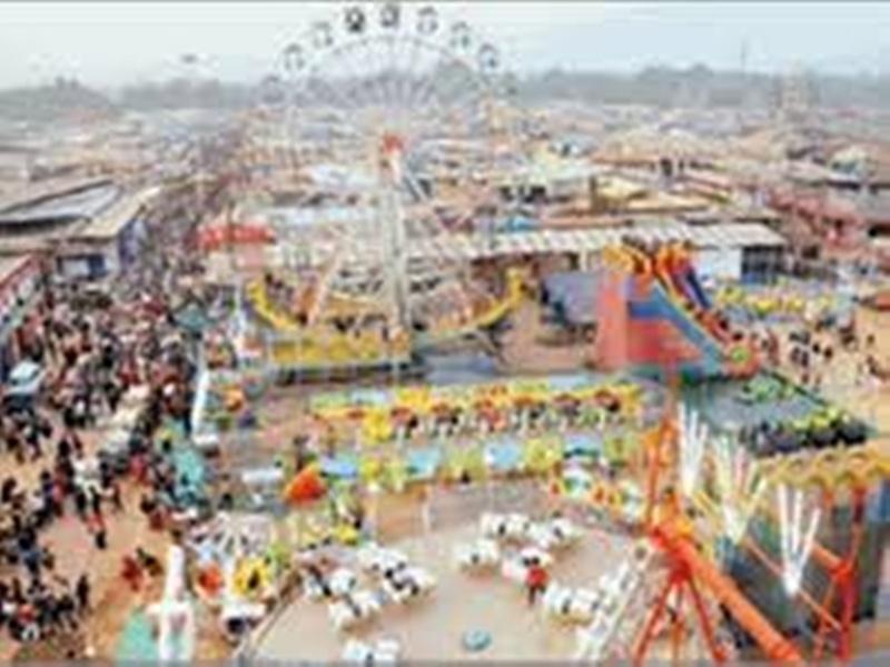 Gwalior trade fair news: मेले की तैयारियों का व्यापारियों ने किया आगाज, लगने लगी दुकानें
