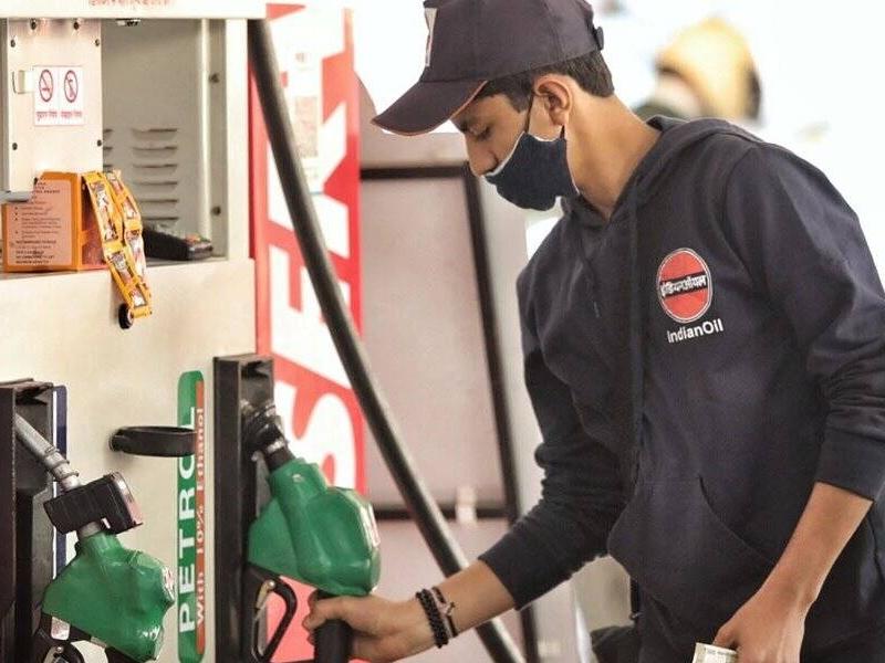 Petrol, Diesel Price Today: तीन दिन बाद फिर महंगा हुआ पेट्रोल डीजल, जानिए अपने शहर का दाम