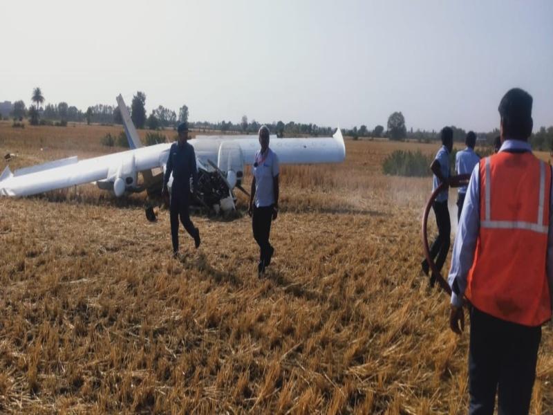 Plane Crash in Bhopal: भोपाल में ट्रेनी विमान खेत में हुआ क्रैश, दो पायलटों को आई हल्की चोट