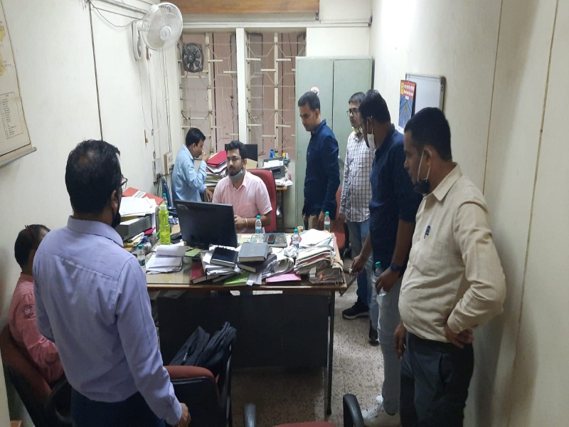Itarsi News: बीएसएनएल का घूसखोर लेखापाल ट्रेप हुआ, ट्रेवल्स संचालक से भुगतान के बदले मांगी थी 20 हजार की घूस