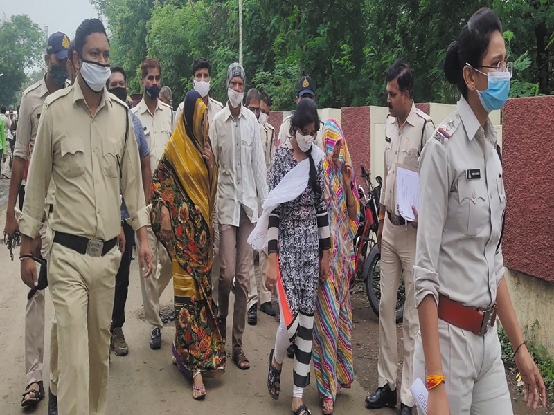 Ujjain News:  पति को पेट्रोल डालकर जिंदा जला दिया था, पत्नी, सास, ससुर और साले को आजीवन कारावास