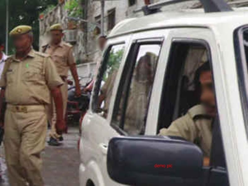 Guna News: UP पुलिस का वाहन पलटा, लखनऊ ले जा रहे आरोपित की मौत