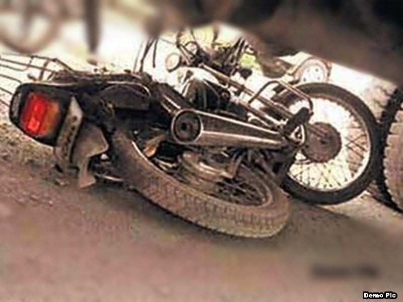 Bhopal Road Accident: भोपाल में ट्रक ने बाइक सवार दो लोगों को मारी टक्कर, एक की मौत