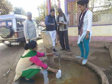 गरोठ व मल्हारगढ़ के 45 हैडपंपों का पानी हार्ड, उबालकर पीएं