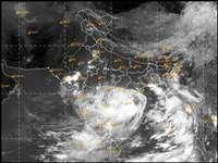 Gulab Cyclone: कमजोर पड़ा गुलाब चक्रवात, अब इन राज्यों में बदलेगा मौसम