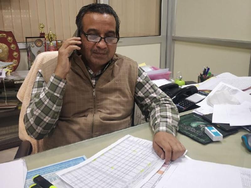 Jabalpur News: वसूली कम क्यों हुई ? कहां हो साहब फील्ड में...  वीडियो काल में दिखाओ