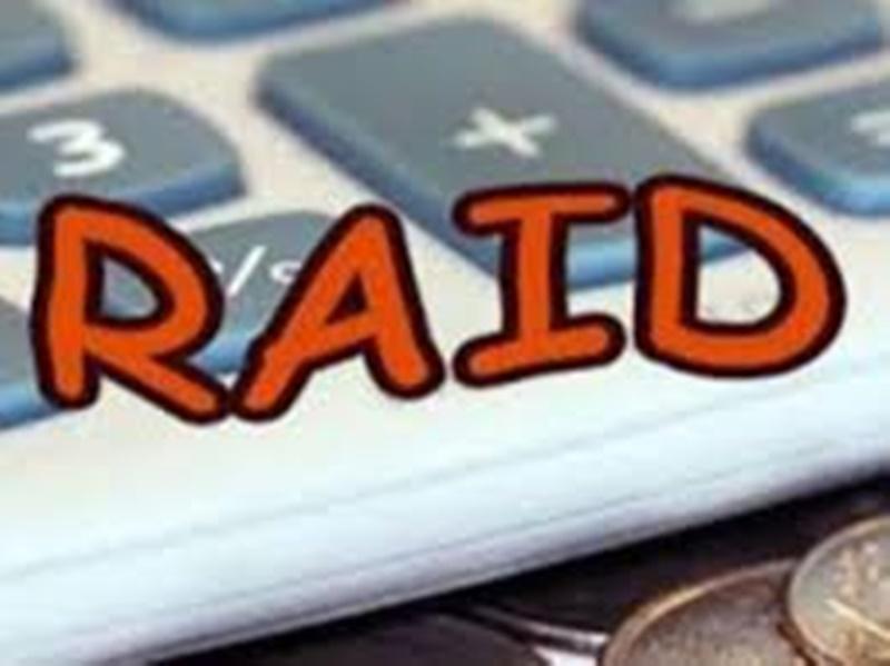 Gwalior News: आय से अधिक संपत्ति के मामले में लोकायुक्त पुलिस ने पंचायत सचिव के घर पर छापा मारा