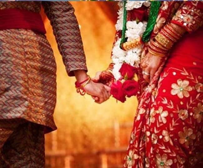 मंडप में पांच लाख स्र्पये की मांग पूरी नहीं होने पर दूल्हा शादी छोड़कर भागा