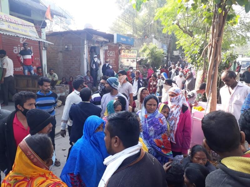 Indore News : नगर निगम ने स्वजन के विरोध के बीच तीन क्षेत्रों में गुंडों के अवैध निर्माण ध्वस्त किए