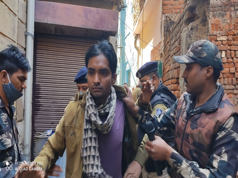 Gwalior Encounter: ग्वालियर के दानाओली क्षेत्र में पुलिस और बदमाशों में मुठभेड़, चार पकड़ में आए