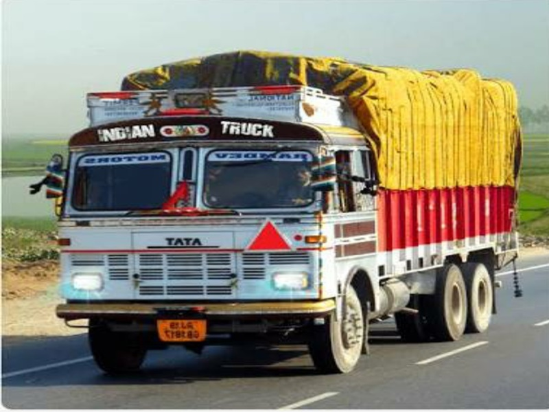 Gwalior Transporter News: महंगे डीजल पर आक्रोश, काले झंडे लगाकर देश की सड़कों पर दौड़ेंगे ट्रक