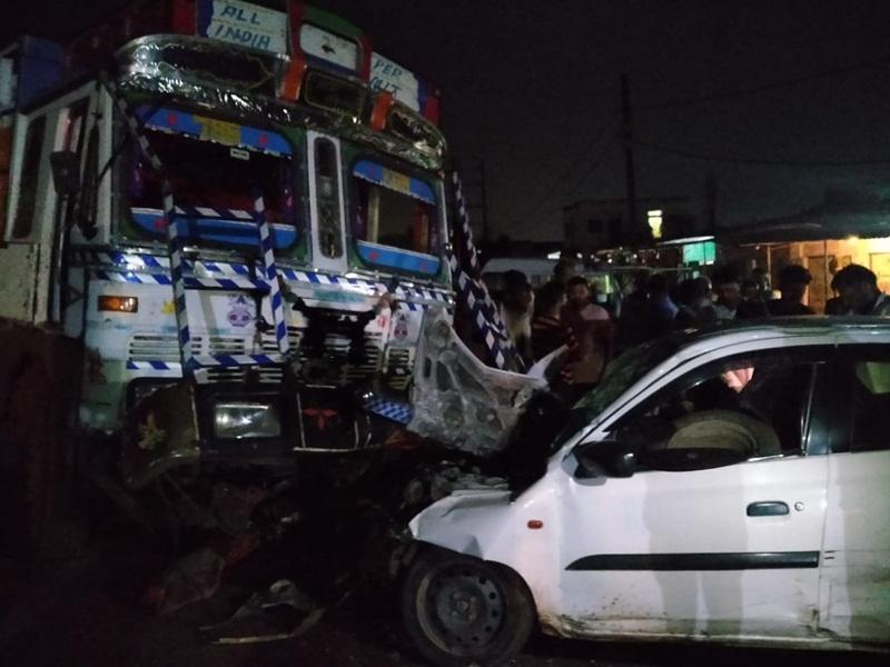 Bhind Accident News: ट्रक और कार की भिड़ंत, कार में फंसे शव को निकालने में लगा एक घंटा