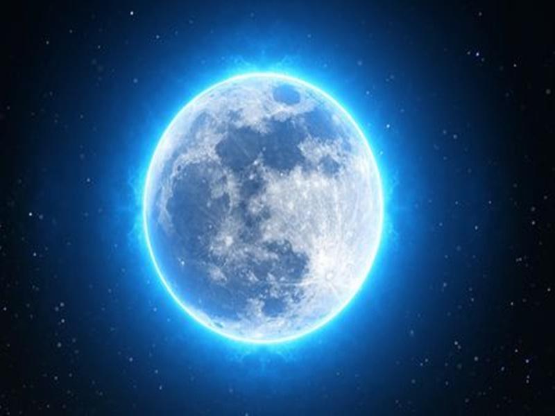 खगोलीय घटना : 1 अक्टूबर को फुल मून तो 31 को होगा ब्लू मून, अंतरिक्ष में अजीब संयोग