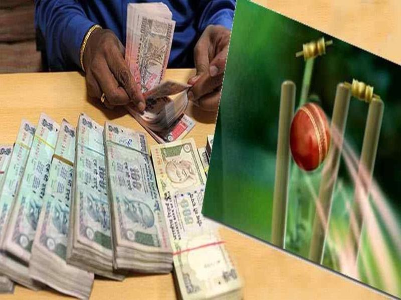 IPL पर पकड़ा 85 लाख का सट्टा, 3 सटोरिए गिरफ्तार, 20 मोबाइल, LED बरामद