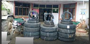 टायर चोरी से दो दिन पहले की थी रैकी, बेचने से पहले ही गिरफ्तार