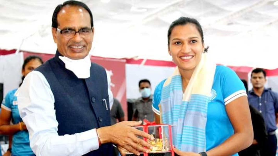 Bhopal News : मुख्यमंत्री ने भारतीय महिला हॉकी टीम के सम्मान में दिया भोज, कहा-बेटियों ने देश का दिल जीता