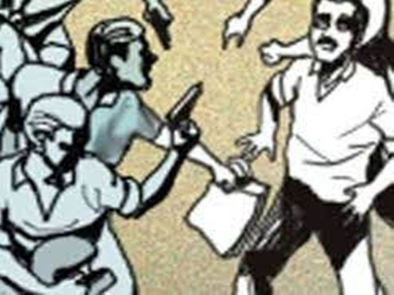 Gwalior loot News: हाइवे पर बाइक सवार युवकों को बदमाशों ने कट्टा तानकर पीटा, 10 हजार लूटे
