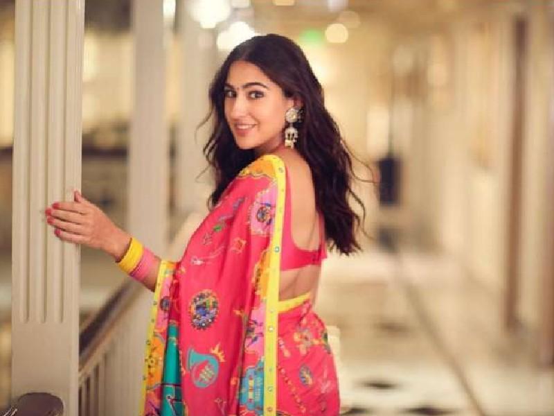 सारा अली खान ने पिंक साड़ी में शेयर की फोटो, लिखा-'औरत साड़ी में प्यारी लगती है'