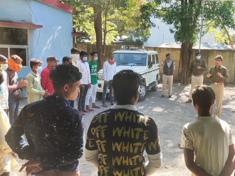 Raipur News : गुंडे, बदमाशों और चाकूबाजों के खिलाफ पुलिस का एक्शन जारी, देखें तस्वीरें