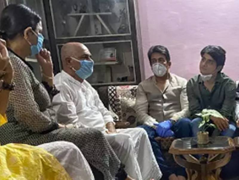 Shekhar Suman भी पहुंचे Sushant Singh Rajput के पटना वाले घर, साथ में थे एक्टर के जिगरी दोस्त