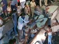 Gujarat: वडोदरा में निर्माणाधीन इमारत गिरी, 3 की मौत