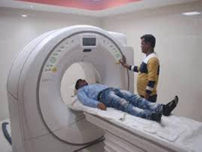 Coronavirus Gwalior News: रिपोर्ट निगेटिव पर सीटी स्कैन में कोरोना संक्रमण, मरीज परेशान