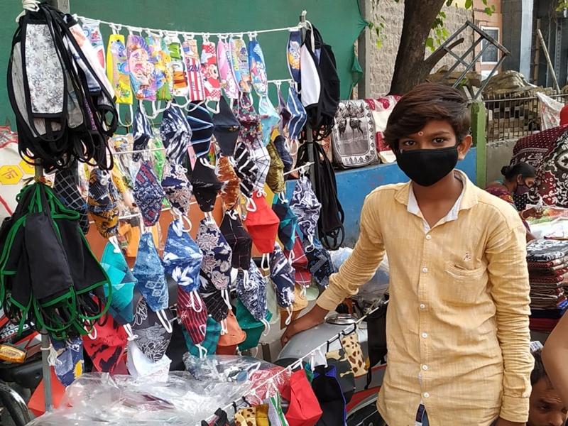 इंदौर में कोरोना ने जीवन में ला दी अस्थिरता, मास्क ने ऐसे संभाला