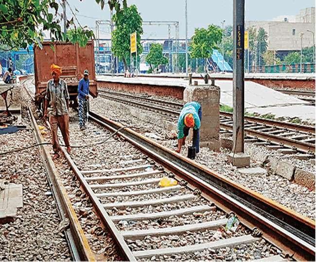 रेल यूनियन ने कहा- 16 घंटे की ड्यूटी से ट्रैक में अस्वस्थ और आंखें हो रहीं कमजोर