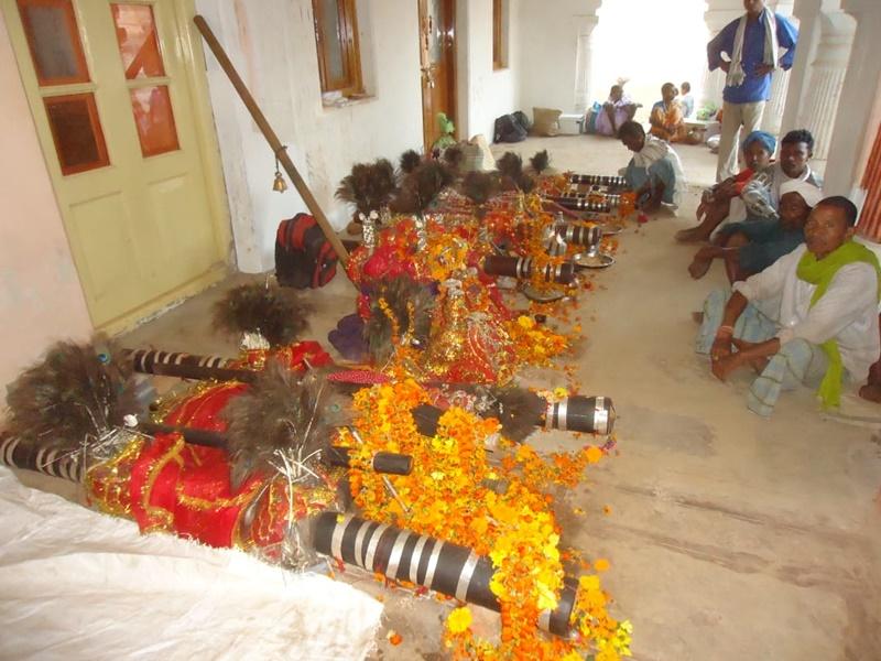 Bastar News: कोरोना काल में आधे देवी-देवता ही पहुंचे दशहरा मनाने